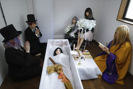 Still life: Death and love dolls in Japan