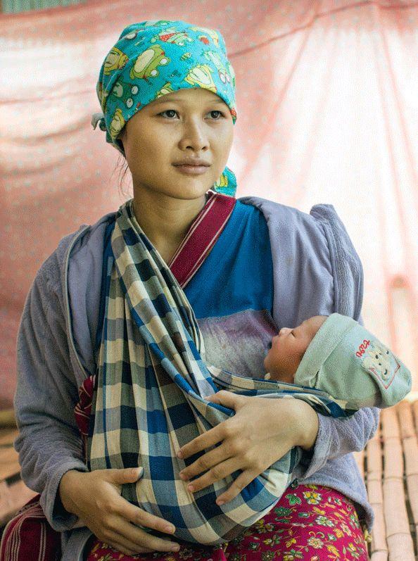 Jungen Müttern in Flüchtlingslagern helfen